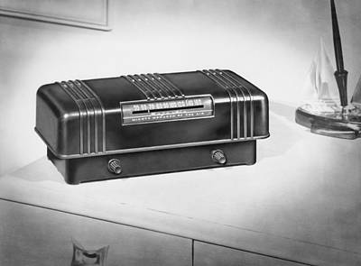 Electronics Photograph - A Majestic Radio by Underwood Archives
