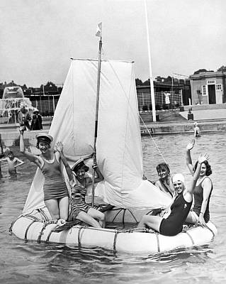 Raft Photograph - A Merry Crew Of Lady Sailors by Underwood Archives