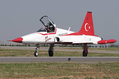 Jet Star Photograph - A Nf-5a Of The The Turkish Stars by Daniele Faccioli