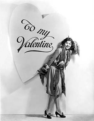 Movie Star Photograph - A Oversized Valentine by Underwood Archives