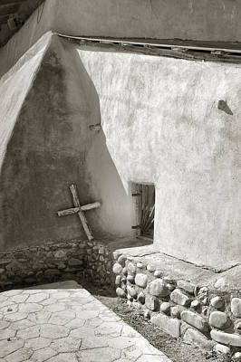 Chimayo Photograph - A Pilgrim's Cross by Steven Ainsworth