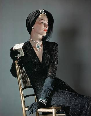 A Portrait Of Lisa Fonssagrives Sitting Print by Horst P. Horst