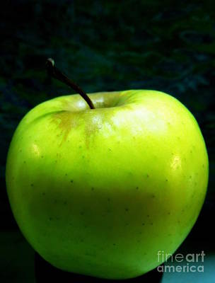 Photograph - A Pretty Green Apple by Renee Trenholm