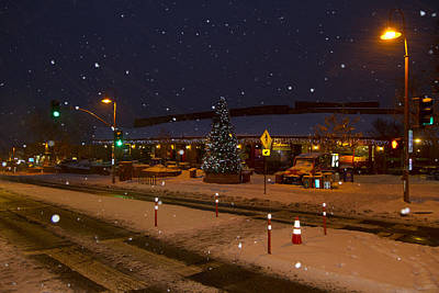 Photograph - A Snowy Evening by Tom Kelly