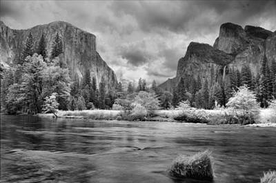Photograph - A Storm Draws Near - Black And White by Lynn Bauer