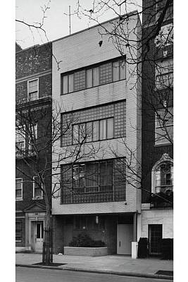 Street Scenes Photograph - A Townhouse Designed By William Lescaze by Samuel H Gottscho and William Schleisner