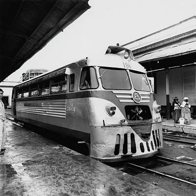 Photograph - A Train Station In Ecuador by Leonard Nones