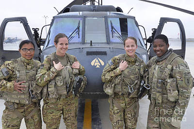 Middle East Photograph - A U.s. Army All Female Crew by Stocktrek Images