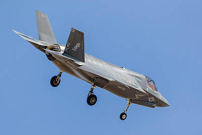 Joint Strike Fighter Photograph - A U.s. Marine Corps F-35b On Final by Rob Edgcumbe