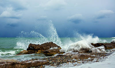 Ontario Photograph - A Vibrant Sea by Everet Regal