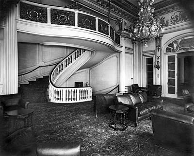 A View Of The Lounge Room At The New Home Of The National Democr Print by Underwood Archives