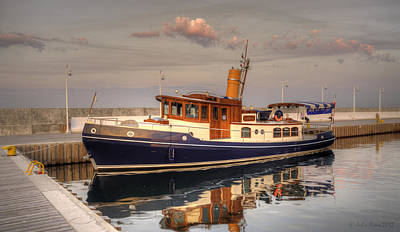 Giuseppe Cristiano - A Vintage-style Sea Motor Vessel in Sopot Marina by Julis Simo