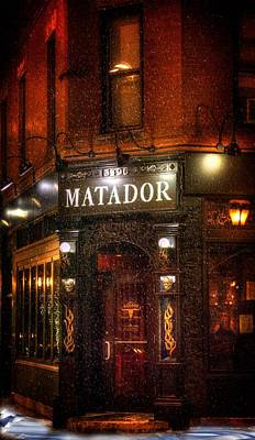 Snowy Night Photograph - A Cold Night And A Warm Pub by Mark Andrew Thomas