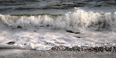 Action Lines Photograph - A Wave Story by Betsy Knapp