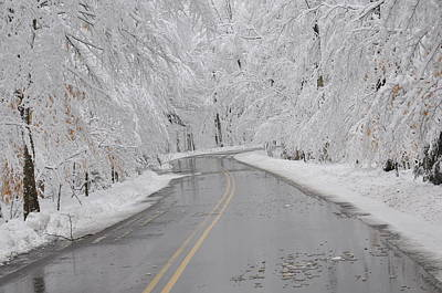 Photograph - A Winter Drive In Door County. by Larry Peterson