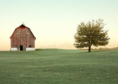 Red Farmhouse Photograph - A Wisconsin Postcard by Todd Klassy