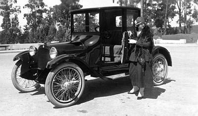 1918 Photograph - A Woman And Her Car by Underwood Archives