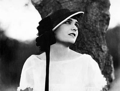 Pola Negri Photograph - A Woman Of The World, Pola Negri, 1925 by Everett