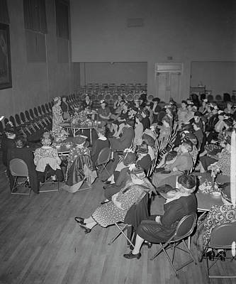 Group Of Women Talking Photograph - A Woman Speaker Addressing The Church by Stocktrek Images