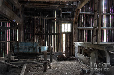 Photograph - Abandoned Barn by Jeannette Hunt