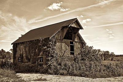 Barn Photograph - Abandoned Barn by Marcia Colelli