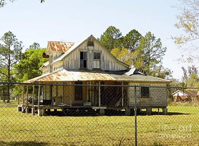 Photograph - Old Abandoned Cracker Home by D Hackett