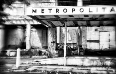 Photograph - Abandoned Hotel by John Rizzuto