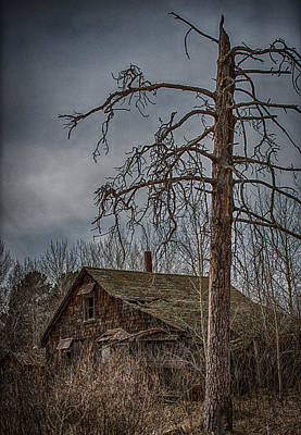 Country Scene Photograph - Abandoned House by Paul Freidlund
