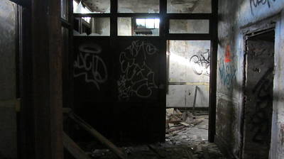Photograph - Abandoned Room 3 by Anita Burgermeister