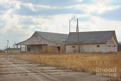 Photograph - Abandoned Stuckeys by Kay Pickens