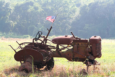 Photograph - Abandoned Tractor by Susan Stevenson