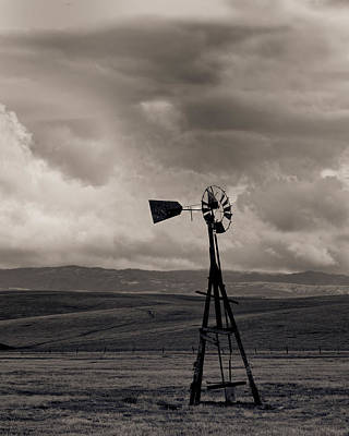 Livermore Photograph - Abandoned Windmill Livermore Ca by Troy Montemayor