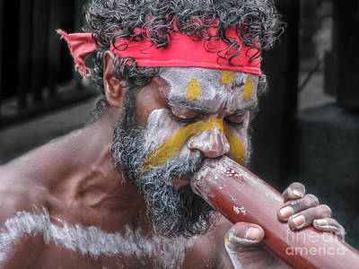 Aboriginal Playing Didgeridoo Art Print