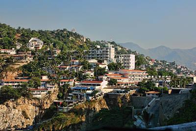 Acapulco Hillside Living Print by Linda Phelps