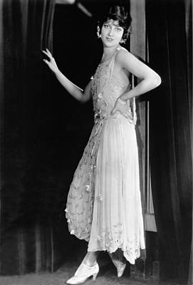 Movie Star Photograph - Actress Jeanette Macdonald by Underwood Archives