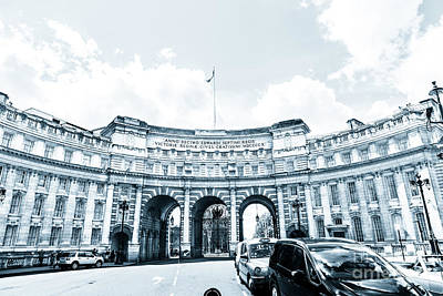 Photograph - Admiralty Arch From Trafalgar Square London. by Peter Noyce