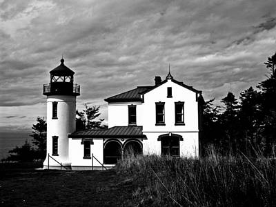 Old Door And Pacific Ocean Photograph - Admiralty Head Lighthouse Bw by Kevin D Davis