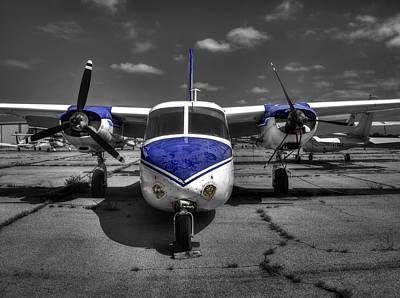 Aero Commander 560 L26b U4a  V1 Art Print by John Straton