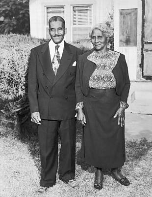 African American Couple Photograph - African Americans Portrait by Underwood Archives