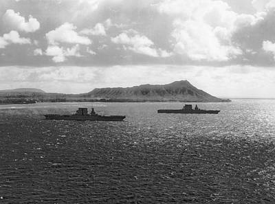 Aircraft Carriers In Hawaii Art Print by Underwood Archives