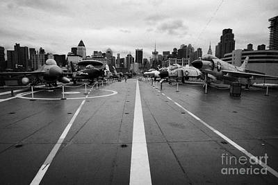 Aircraft On The Flight Deck Of The Uss Intrepid Looking Towards Manhattan New York Art Print by Joe Fox