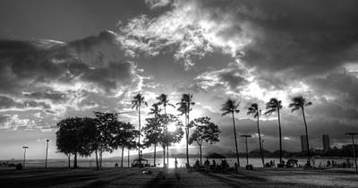 Photograph - Ala Moana Beach Park by Tin Lung Chao