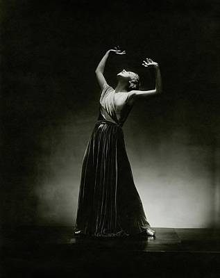 Evening Gown Photograph - Alanova Posing In A Grecian-style Gown by George Hoyningen-Huene