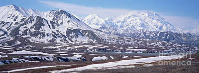 Snow-covered Landscape Photograph - Alaska Range In Spring Snow Denali N P by Yva Momatiuk and John Eastcott