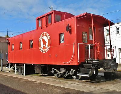 Photograph - Albany Caboose by VLee Watson