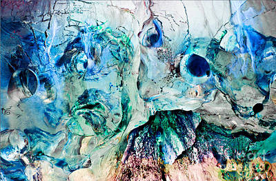 Alien Couple Art Print by Petros Yiannakas
