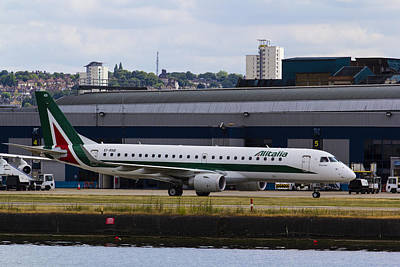 Alitalia  Embraer Erj-190 London City Airport Art Print