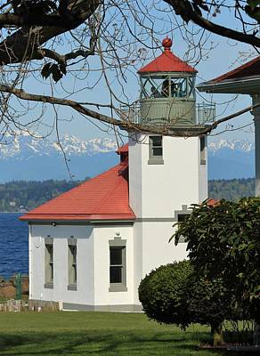 Photograph - Alki Lighthouse by E Faithe Lester