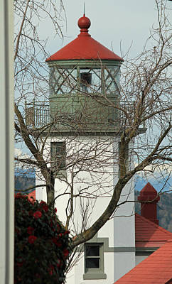 Photograph - Alki Lighthouse IIi by E Faithe Lester