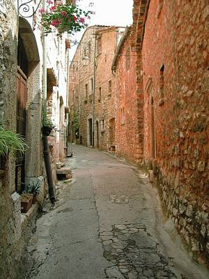 Alley In Tourrette-sur-loup Art Print